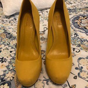 Schutz pump yellow 6